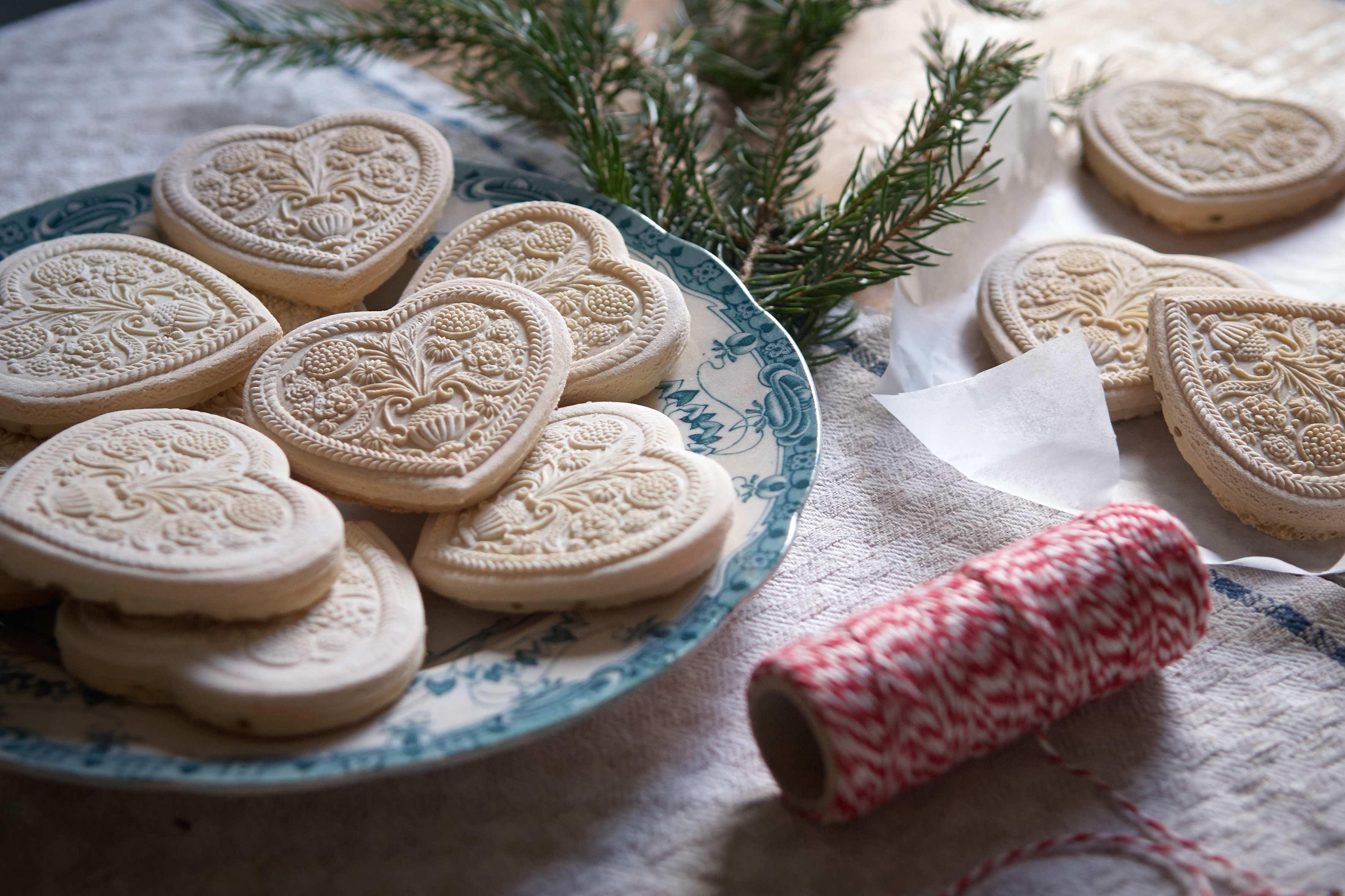 Springerle – German Anise Seed Biscuits Recipe – Notes from Björkåsa